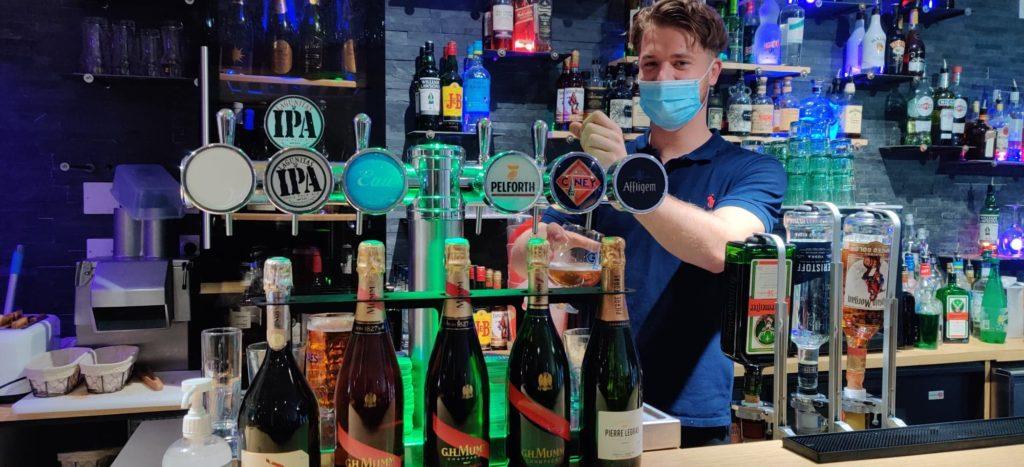 photo barman